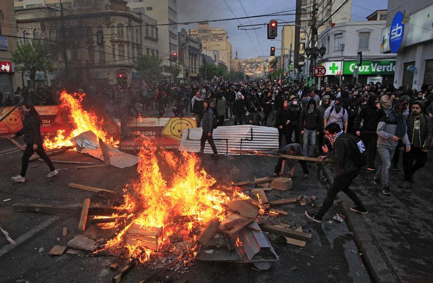 Contre le retour des militaires dans la rue, soutien au mouvement populaire chilien!